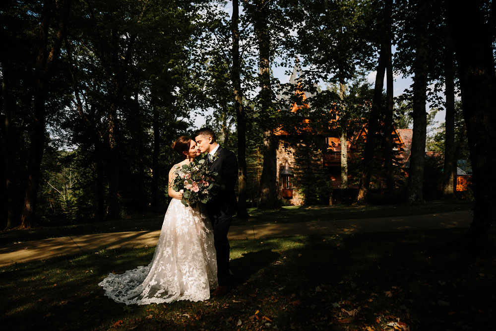 cleveland-wedding-photographers-at-landolls-mohican-castle-central-ohio-romantic-wedding-photography-80.jpg