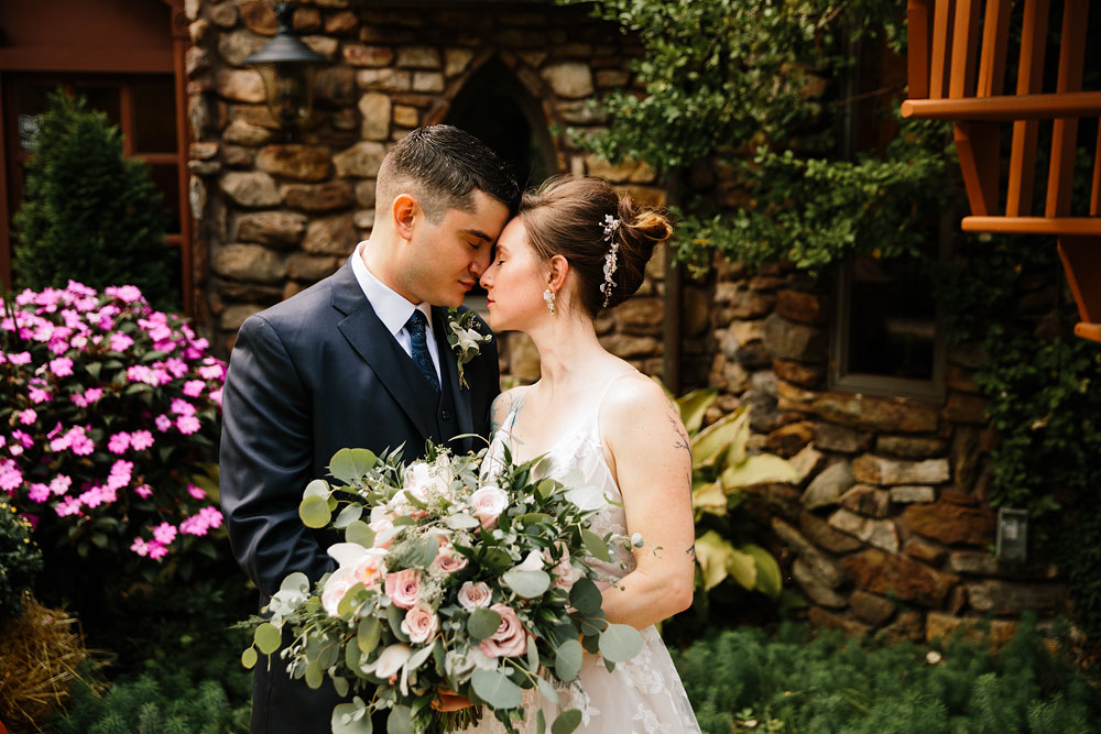 cleveland-wedding-photographers-at-landolls-mohican-castle-central-ohio-romantic-wedding-photography-99.jpg