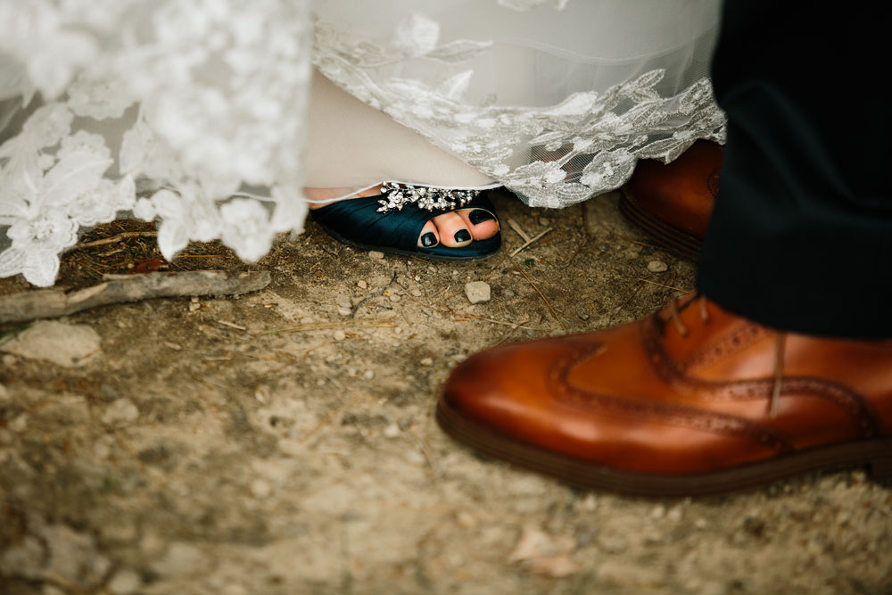 cleveland-wedding-photographers-at-landolls-mohican-castle-central-ohio-romantic-wedding-photography-109.jpg