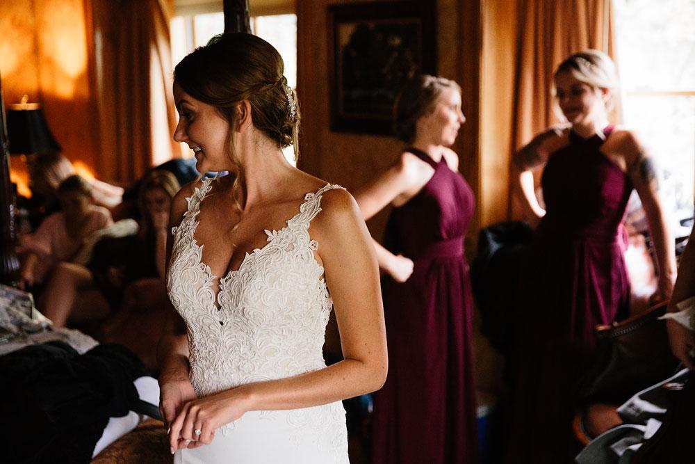 columbus-ohio-wedding-photographers-landolls-mohican-castle-central-ohio-fall-outdoor-wedding-33.jpg