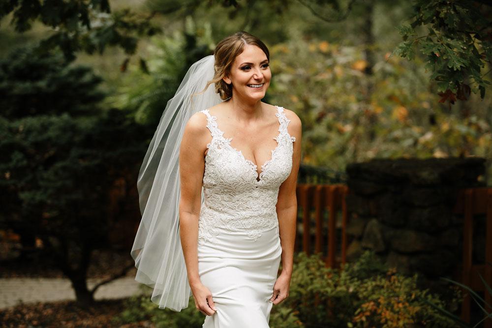 columbus-ohio-wedding-photographers-landolls-mohican-castle-central-ohio-fall-outdoor-wedding-68.jpg
