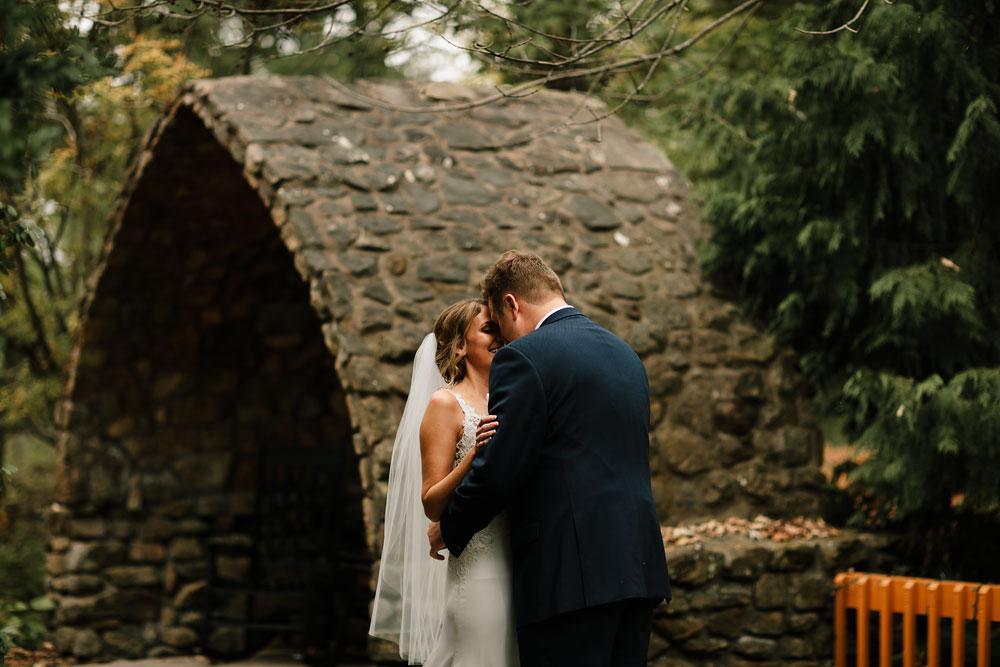 columbus-ohio-wedding-photographers-landolls-mohican-castle-central-ohio-fall-outdoor-wedding-74.jpg