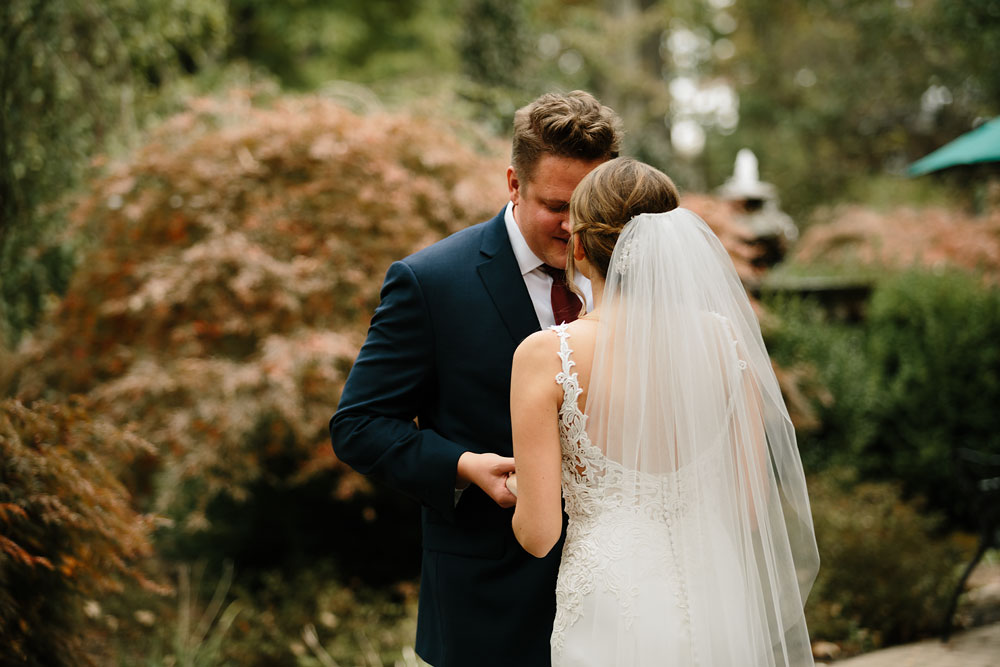 columbus-ohio-wedding-photographers-landolls-mohican-castle-central-ohio-fall-outdoor-wedding-76.jpg