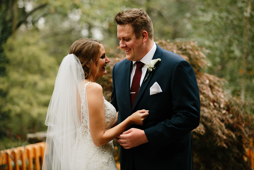 columbus-ohio-wedding-photographers-landolls-mohican-castle-central-ohio-fall-outdoor-wedding-81.jpg