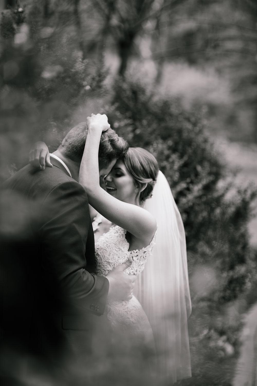 columbus-ohio-wedding-photographers-landolls-mohican-castle-central-ohio-fall-outdoor-wedding-97.jpg
