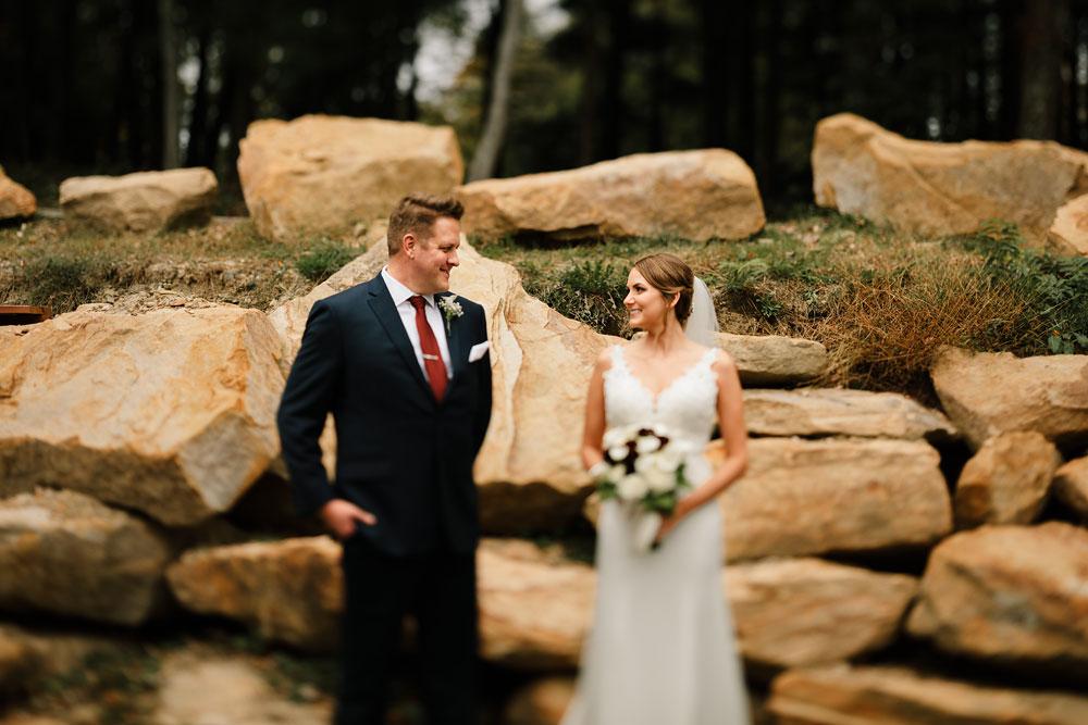 columbus-ohio-wedding-photographers-landolls-mohican-castle-central-ohio-fall-outdoor-wedding-103.jpg