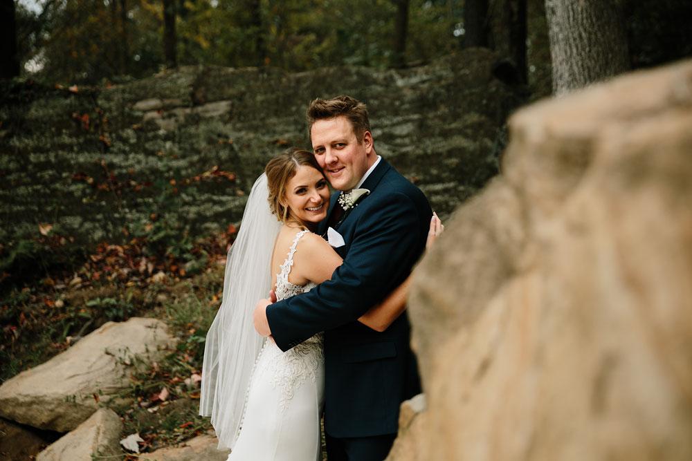 columbus-ohio-wedding-photographers-landolls-mohican-castle-central-ohio-fall-outdoor-wedding-108.jpg