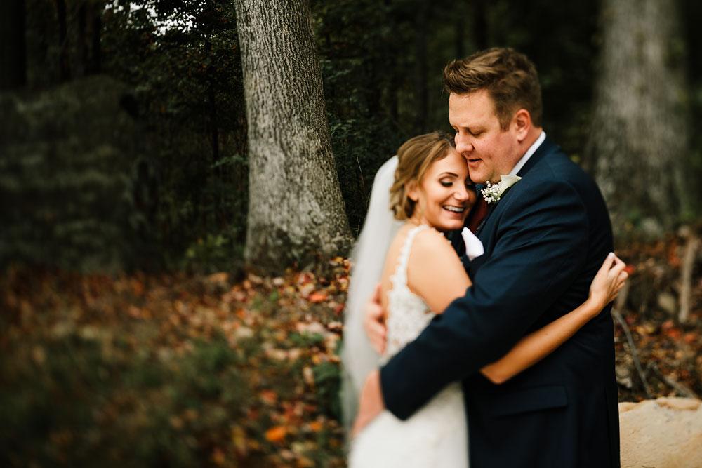 columbus-ohio-wedding-photographers-landolls-mohican-castle-central-ohio-fall-outdoor-wedding-117.jpg