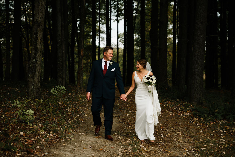 columbus-ohio-wedding-photographers-landolls-mohican-castle-central-ohio-fall-outdoor-wedding-129.jpg