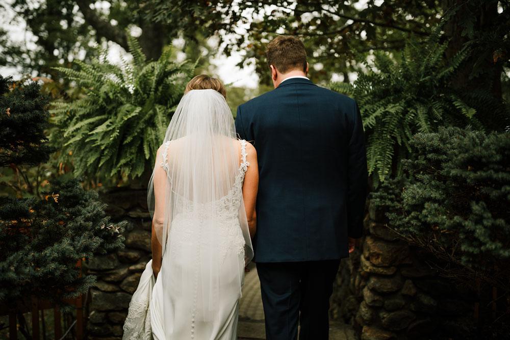columbus-ohio-wedding-photographers-landolls-mohican-castle-central-ohio-fall-outdoor-wedding-136.jpg