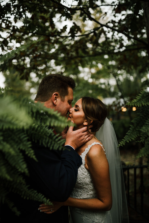 columbus-ohio-wedding-photographers-landolls-mohican-castle-central-ohio-fall-outdoor-wedding-139.jpg
