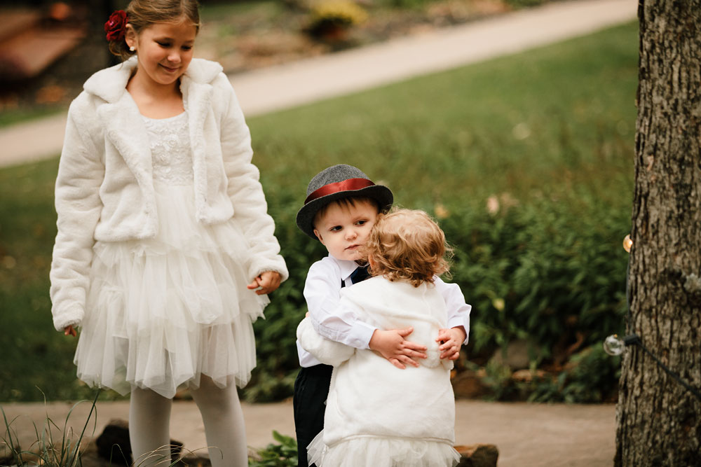 columbus-ohio-wedding-photographers-landolls-mohican-castle-central-ohio-fall-outdoor-wedding-147.jpg