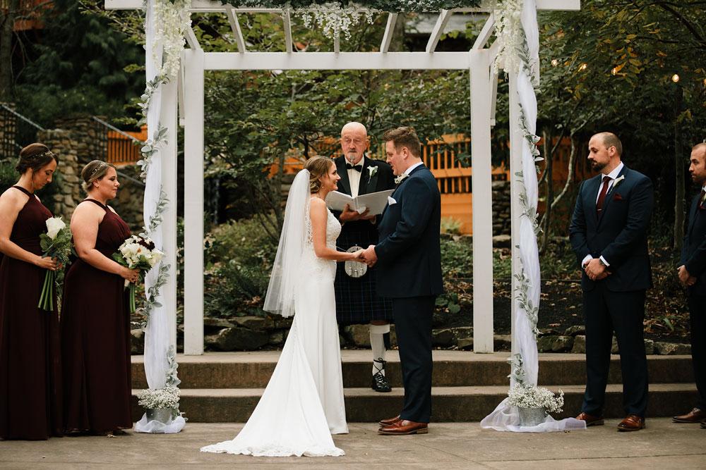 columbus-ohio-wedding-photographers-landolls-mohican-castle-central-ohio-fall-outdoor-wedding-162.jpg