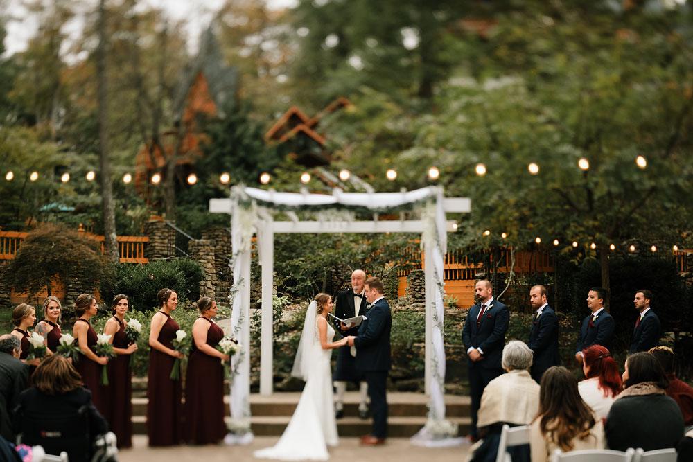columbus-ohio-wedding-photographers-landolls-mohican-castle-central-ohio-fall-outdoor-wedding-165.jpg