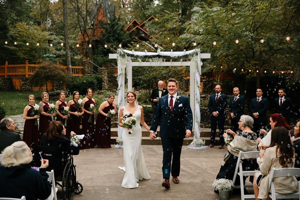 columbus-ohio-wedding-photographers-landolls-mohican-castle-central-ohio-fall-outdoor-wedding-170.jpg