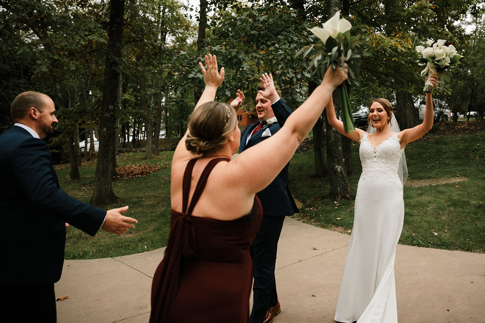 columbus-ohio-wedding-photographers-landolls-mohican-castle-central-ohio-fall-outdoor-wedding-173.jpg