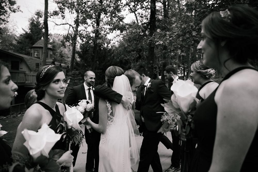 columbus-ohio-wedding-photographers-landolls-mohican-castle-central-ohio-fall-outdoor-wedding-174.jpg
