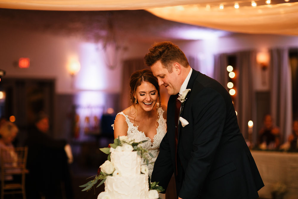 columbus-ohio-wedding-photographers-landolls-mohican-castle-central-ohio-fall-outdoor-wedding-183.jpg