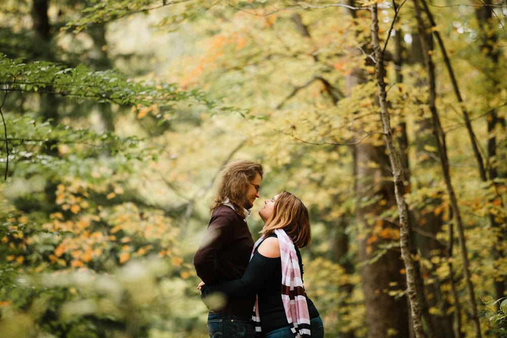 cleveland-wedding-photographers-engagement-in-cuyahoga-valley-national-park-peninsula-hudson-ohio-12.jpg