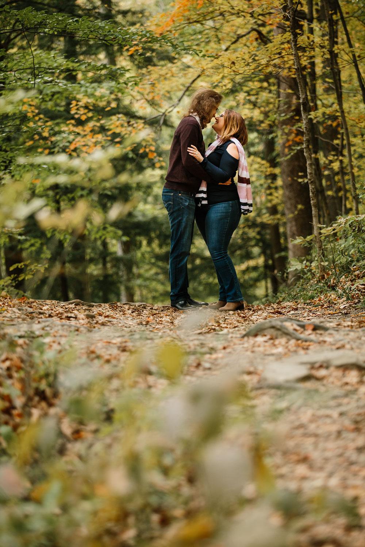 cleveland-wedding-photographers-engagement-in-cuyahoga-valley-national-park-peninsula-hudson-ohio-11.jpg
