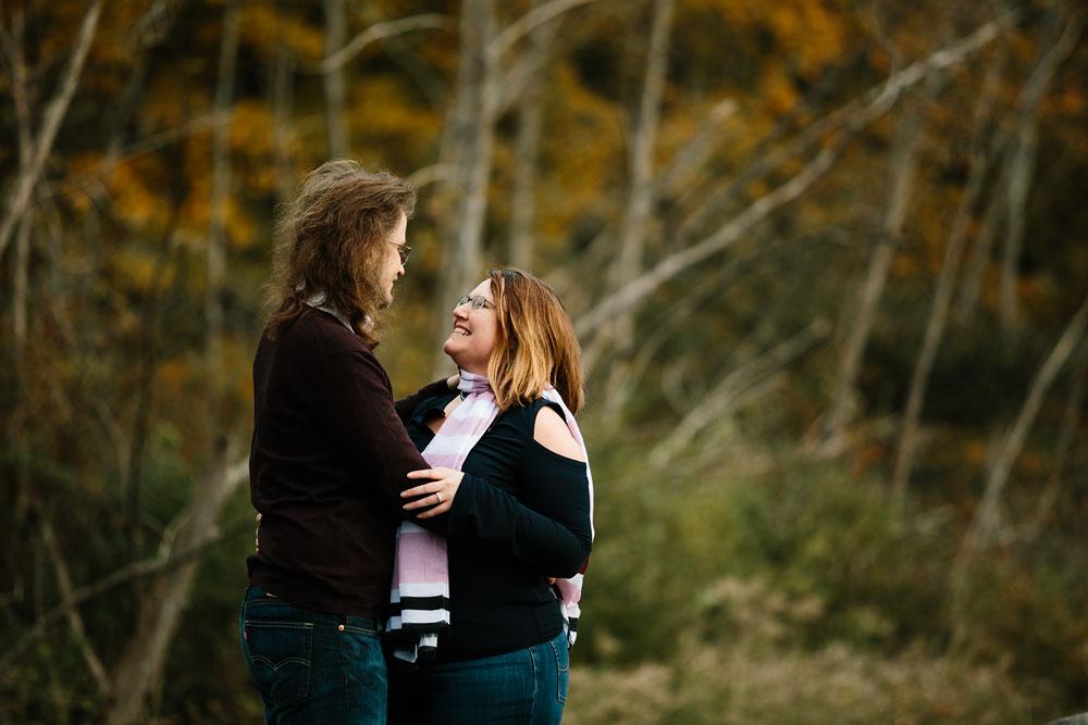 cleveland-wedding-photographers-engagement-in-cuyahoga-valley-national-park-peninsula-hudson-ohio-17.jpg