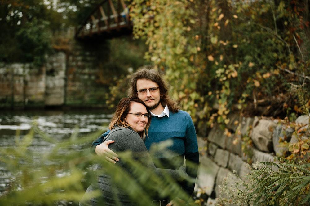 cleveland-wedding-photographers-engagement-in-cuyahoga-valley-national-park-peninsula-hudson-ohio-32.jpg