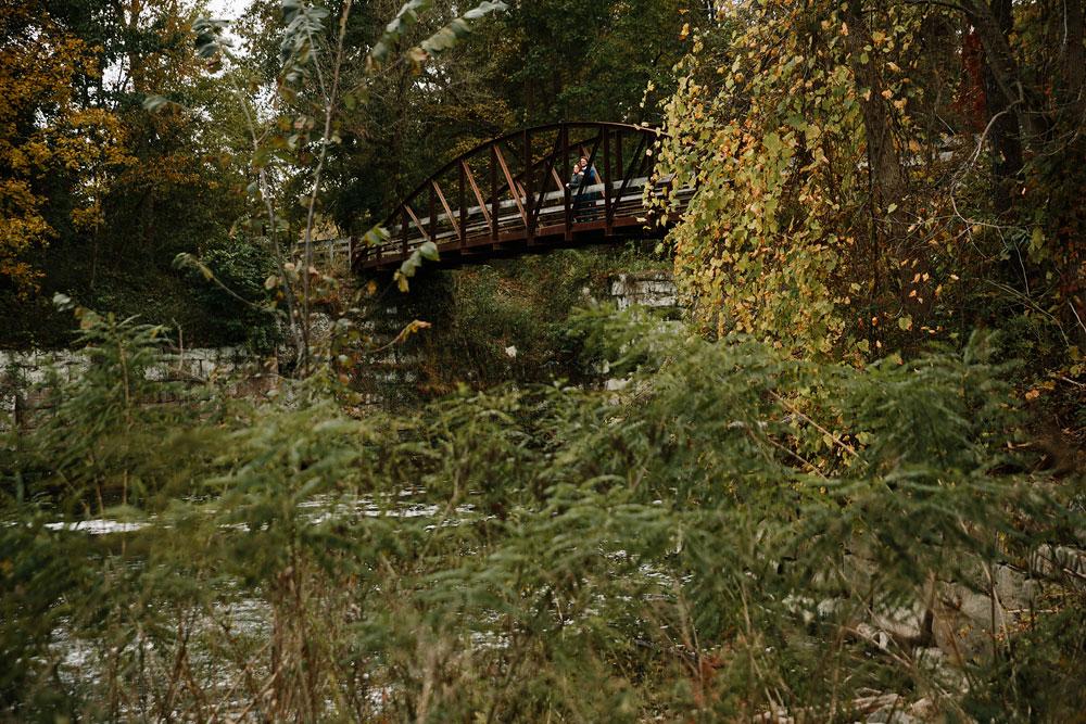 cleveland-wedding-photographers-engagement-in-cuyahoga-valley-national-park-peninsula-hudson-ohio-40.jpg