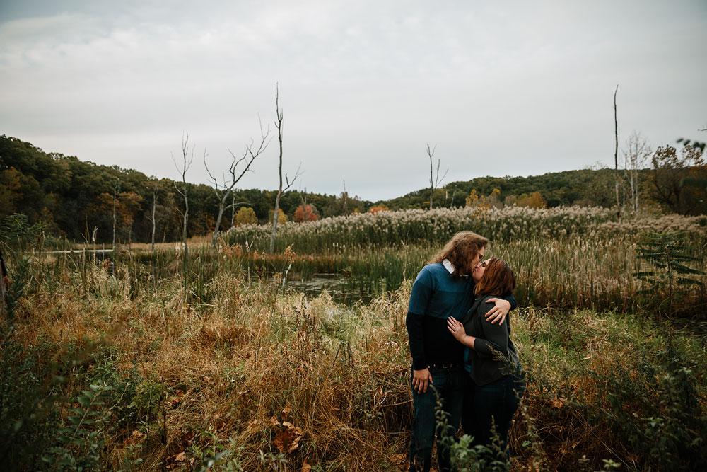 cleveland-wedding-photographers-engagement-in-cuyahoga-valley-national-park-peninsula-hudson-ohio-47.jpg