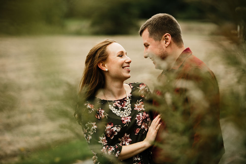 cleveland-wedding-photographers-engagement-at-pattersons-fruit-farm-chesterland-ohio-orchard-14.jpg