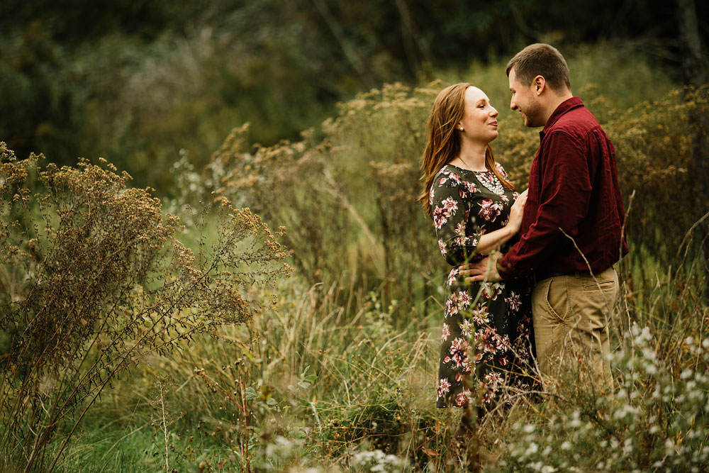 cleveland-wedding-photographers-engagement-at-pattersons-fruit-farm-chesterland-ohio-orchard-18.jpg