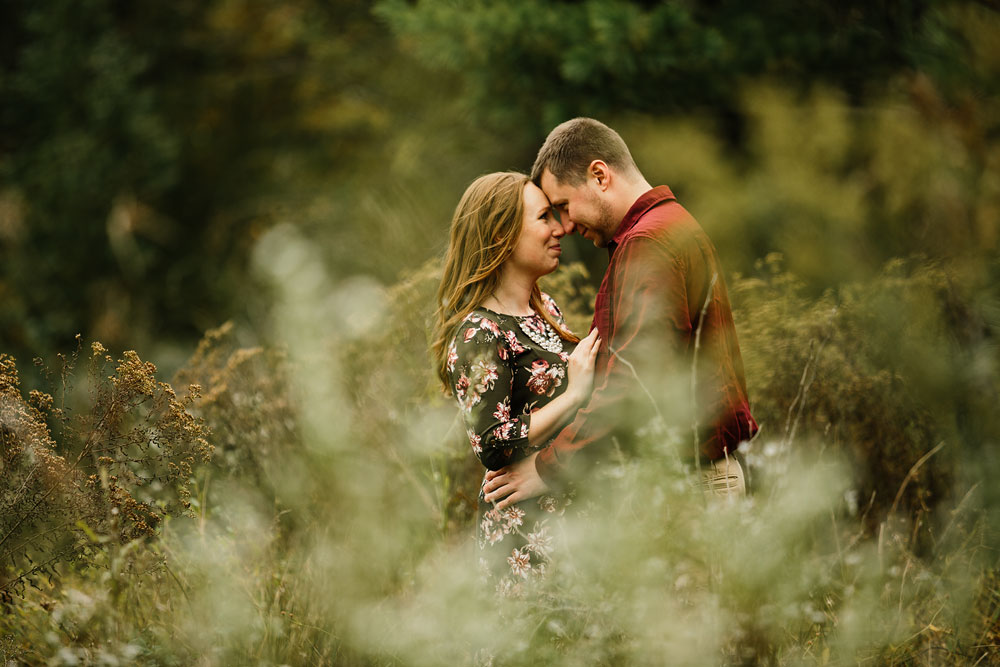 cleveland-wedding-photographers-engagement-at-pattersons-fruit-farm-chesterland-ohio-orchard-19.jpg
