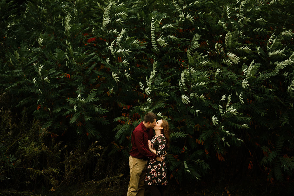 cleveland-wedding-photographers-engagement-at-pattersons-fruit-farm-chesterland-ohio-orchard-21.jpg