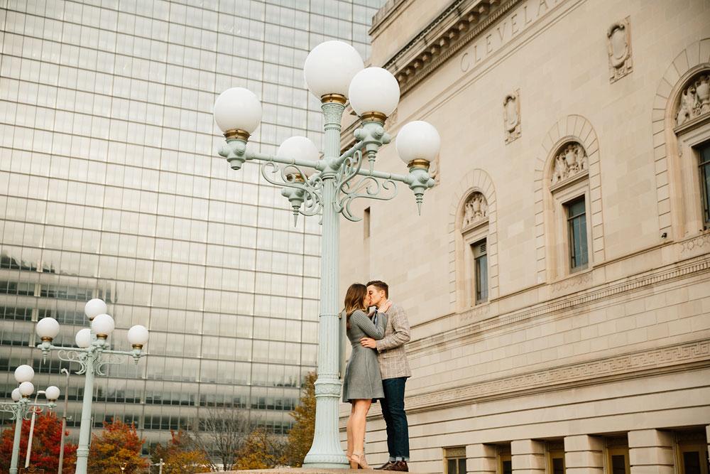 cleveland-wedding-photographers-engagement-downtown-cleveland-ohio-39.jpg