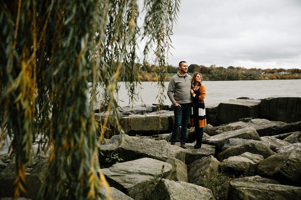 cleveland-wedding-photographers-engagement-edgewater-beach-rocky-river-metroparks-3.jpg