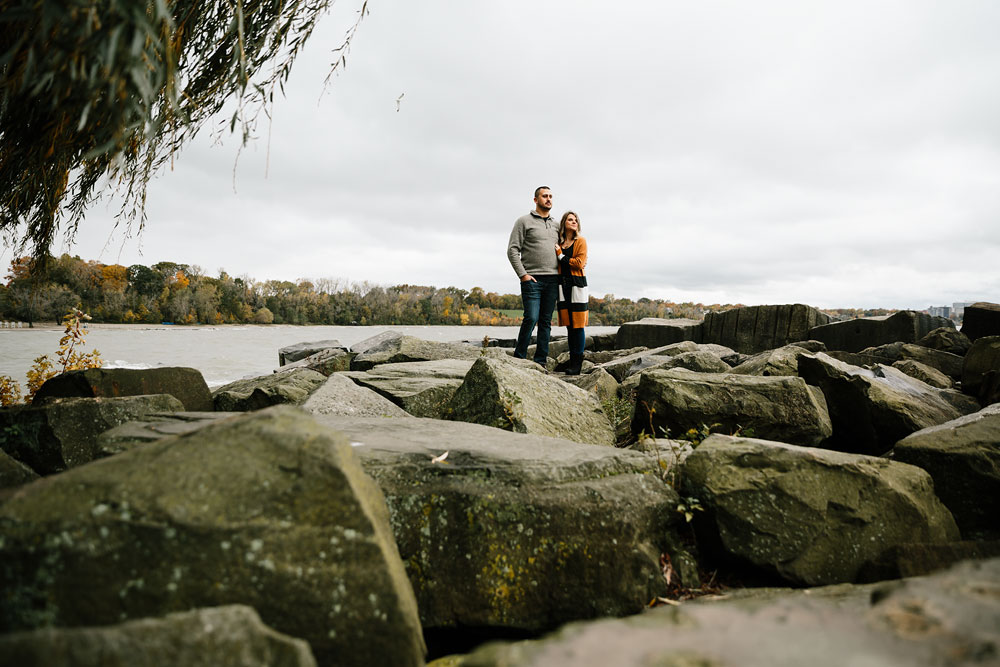 cleveland-wedding-photographers-engagement-edgewater-beach-rocky-river-metroparks-4.jpg