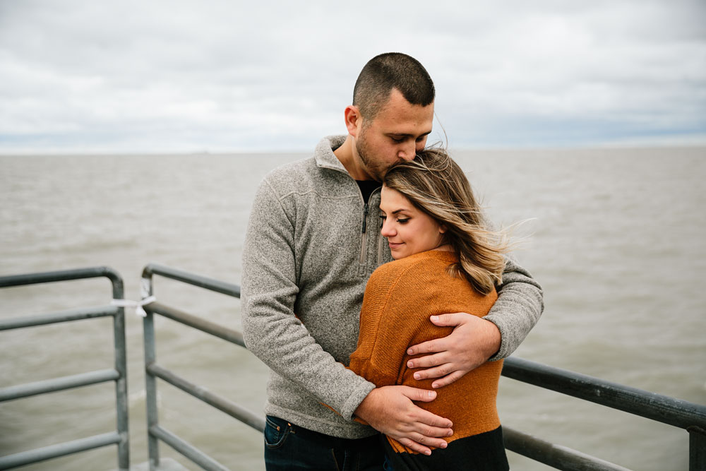 cleveland-wedding-photographers-engagement-edgewater-beach-rocky-river-metroparks-13.jpg