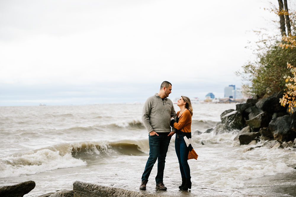 cleveland-wedding-photographers-engagement-edgewater-beach-rocky-river-metroparks-25.jpg