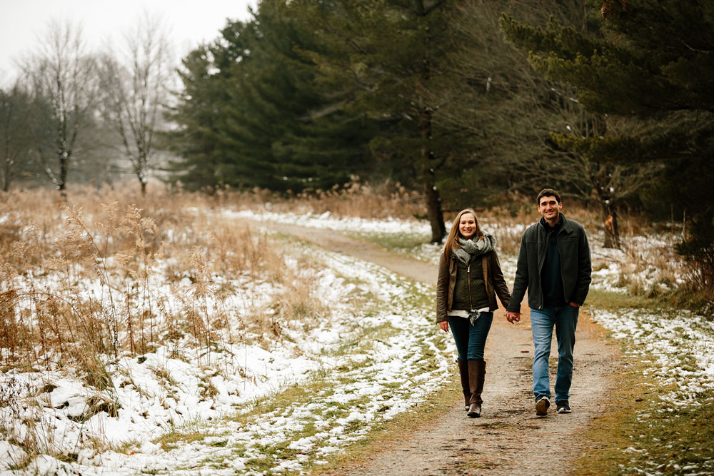 cleveland-wedding-photography-chesterland-ohio-engagement-at-orchard-hills-pattersons-fruit-farm-25.jpg