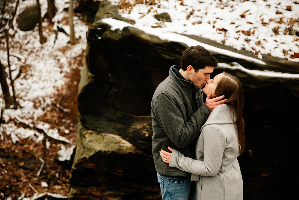 cleveland-wedding-photography-chesterland-ohio-engagement-at-orchard-hills-pattersons-fruit-farm-27.jpg