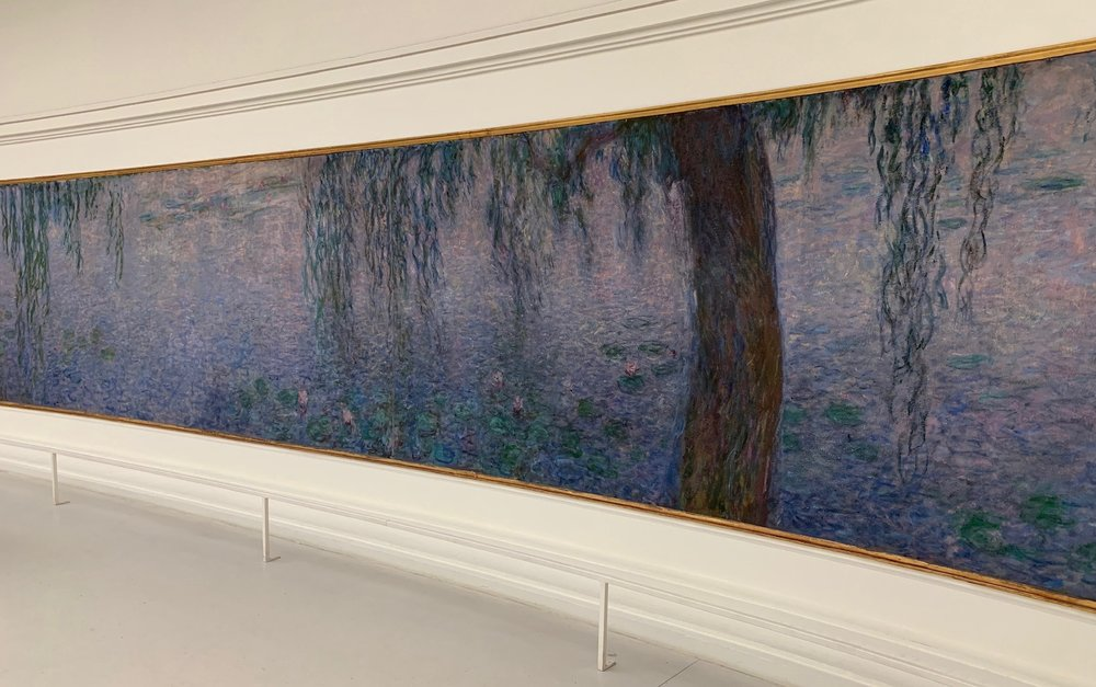 """Installation of Claude Monet's """"Water Lillies"""" at Museé l'Orangerie"""