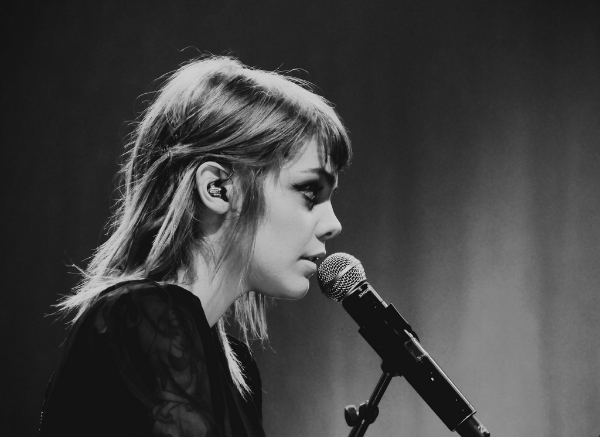 Coeur de pirate plays the Commodore on September 19th. Photo by  Anaï  s .