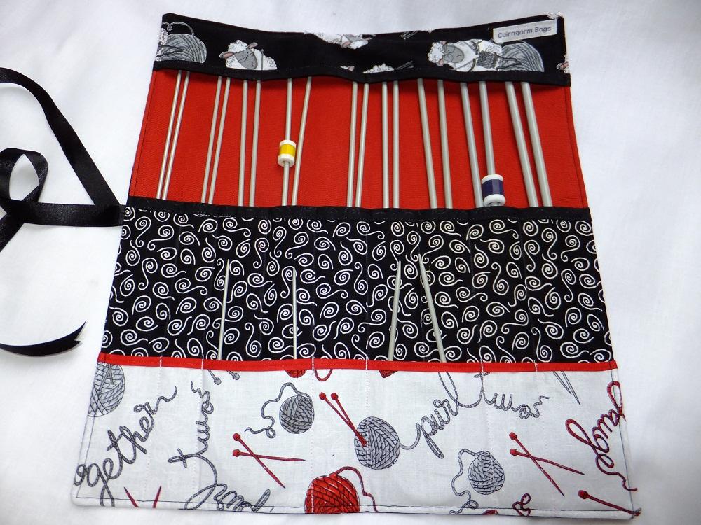 knittingsheepcase1
