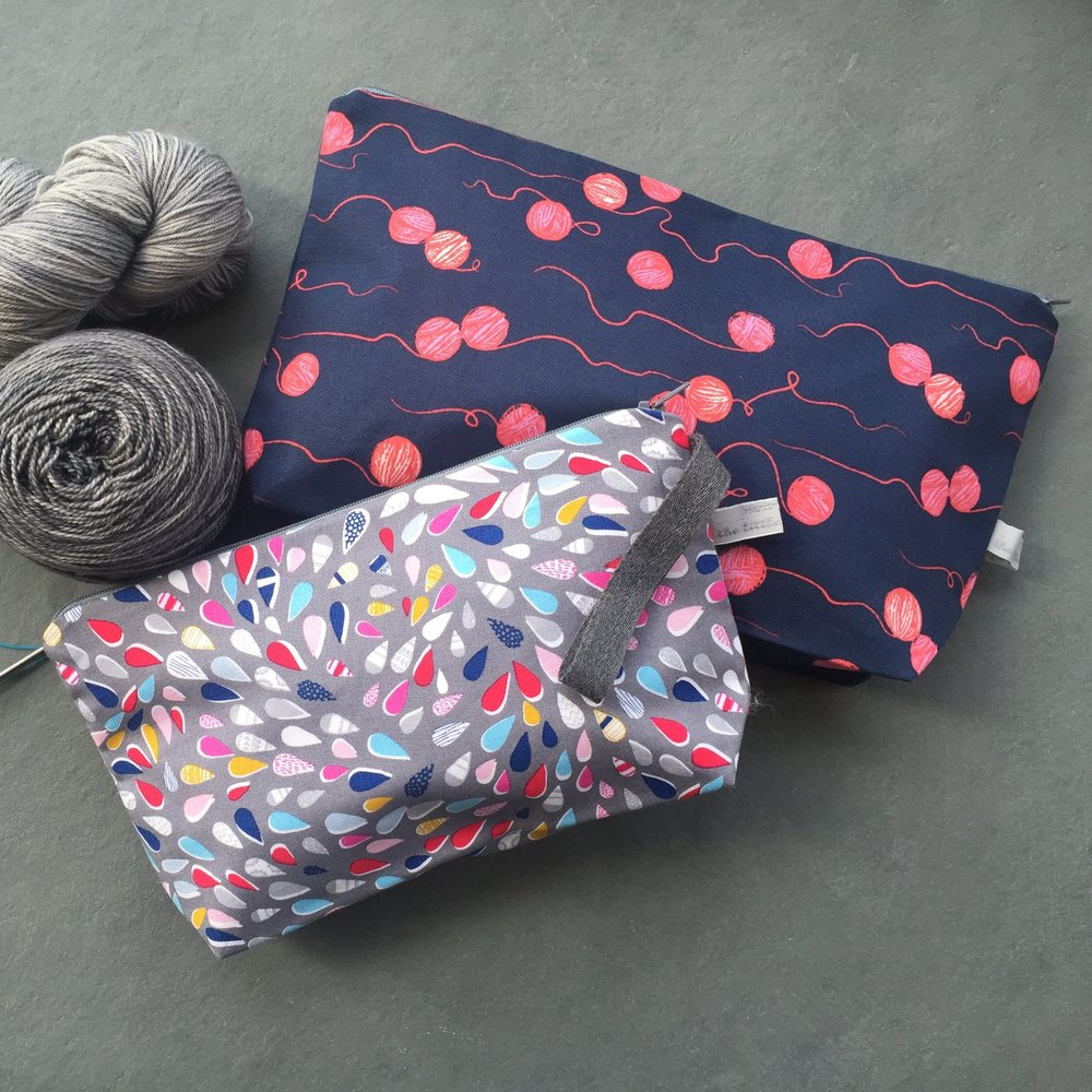 The Little Grey Girl: The Little Grey Girl provides stylish, modern project bags and notions for fibre enthusiasts. The range includes Project Bags and Notion Cases in bright modern fabrics, Stitch Markers and full Notions kit perfect for your project bag.