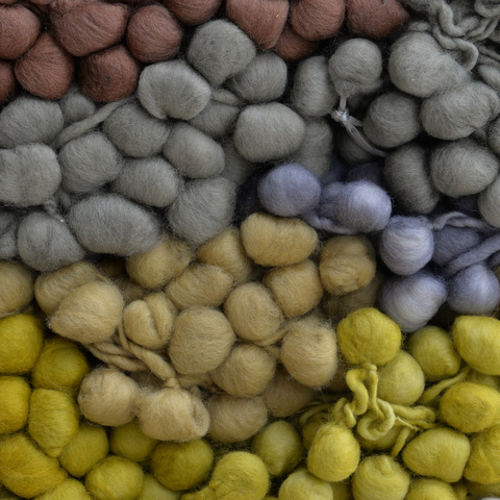 Añañuca: añañuca is an accredited fairtrade business supporting rural livelihoods in southern Chile. We specialise in highly-textured homespun yarns, oozing with colour and personality.  Pompom yarns, kits and accessories. For feelgood knitting and weaving.