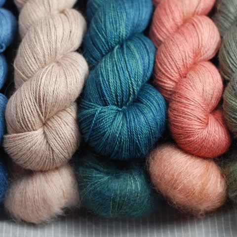 Woollenflower   Plant dyes + natural fibres = @woollenflower joy! Jules will be bringing lots of naturally-dyed, fine-gauge yarns, from lush blends of alpaca, kid mohair and linen to the woolliest Shetland and French sheep breeds... (plus, of course, those tweed pouches!)