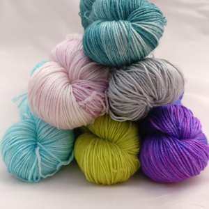 Ginger Twist Studio   Ginger's Hand Dyed Splendor 4ply: Always a popular yarn, @GingerTwistEDI 's Hand Dyed Splendor 4ply is full of shine and drape. Perfect for that shawl pattern in your queue perhaps?