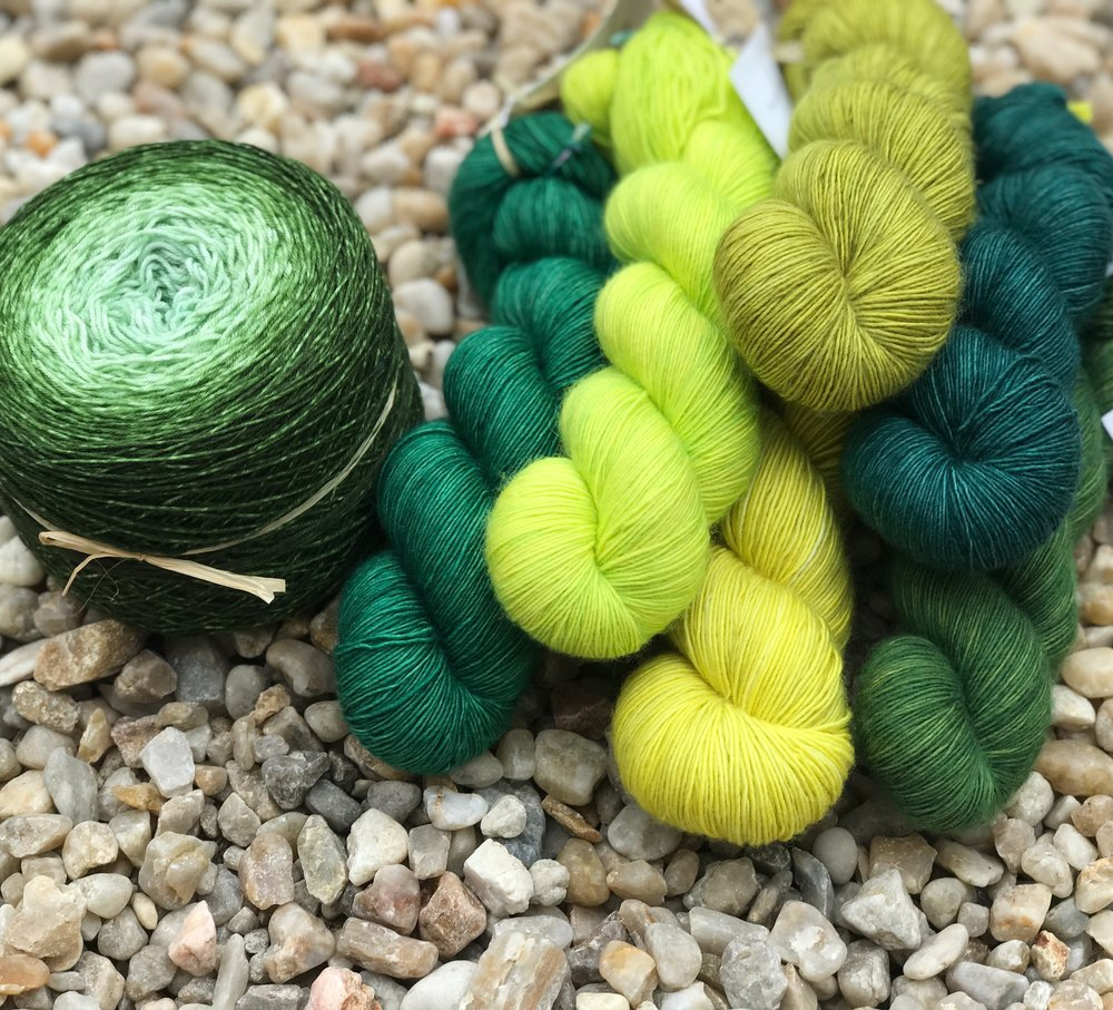 LA FEE FIL  La Fée Fil's yarns are hand dyed with love in France. Natural fibers such as merino, silk and alpaca in speckled, tonal and gradiant colorways create a fun and joyful universe, each name conjures up a story, giving free rein to your imagination.