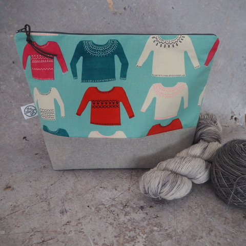 THE LITTLE GREY GIRL  Searching for high-quality handmade project bags and notions? Look no further than @thelittlegreygirluk, stocking a selection of modern stylish products for yarn enthusiasts for use at home or on the go. Find a range of project bags for all occasions and project sizes, as well as all those notions you need for those yarny projects.