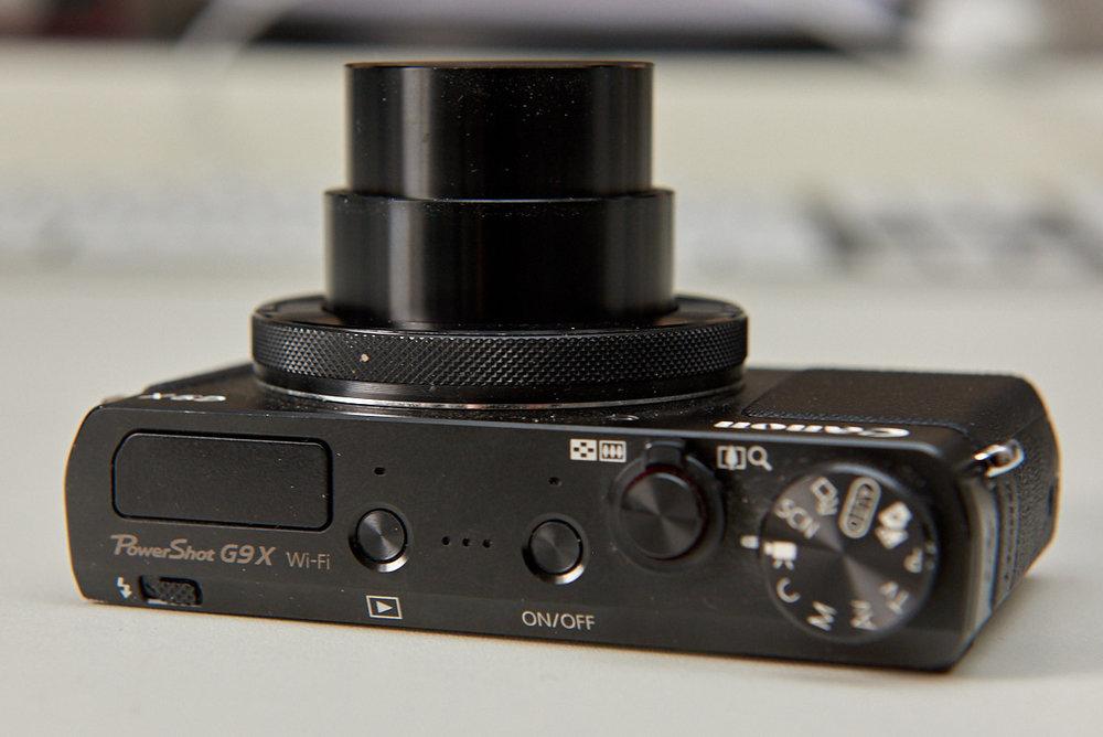 Canon G9X Oberseite - rechts das Moduswahlrad.