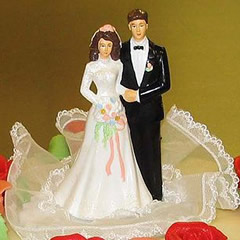 topper1_traditionaljpg the wedding cake topper